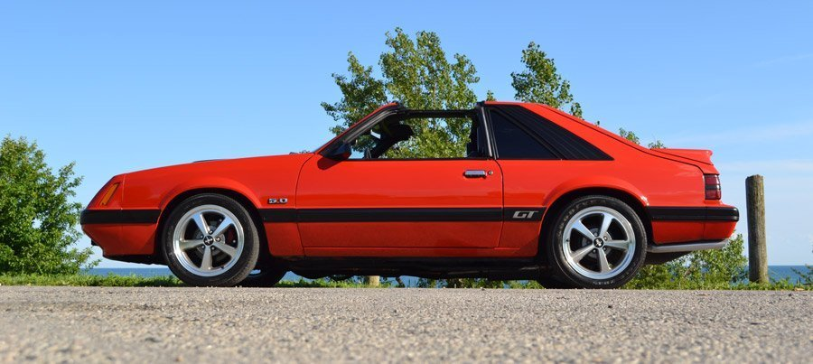 Side View 86 GT